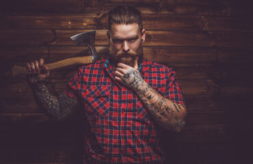 skovmand-fuldskæg-viking-tatoo