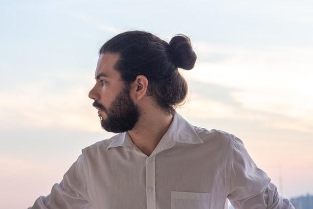 man-bump-hårstil