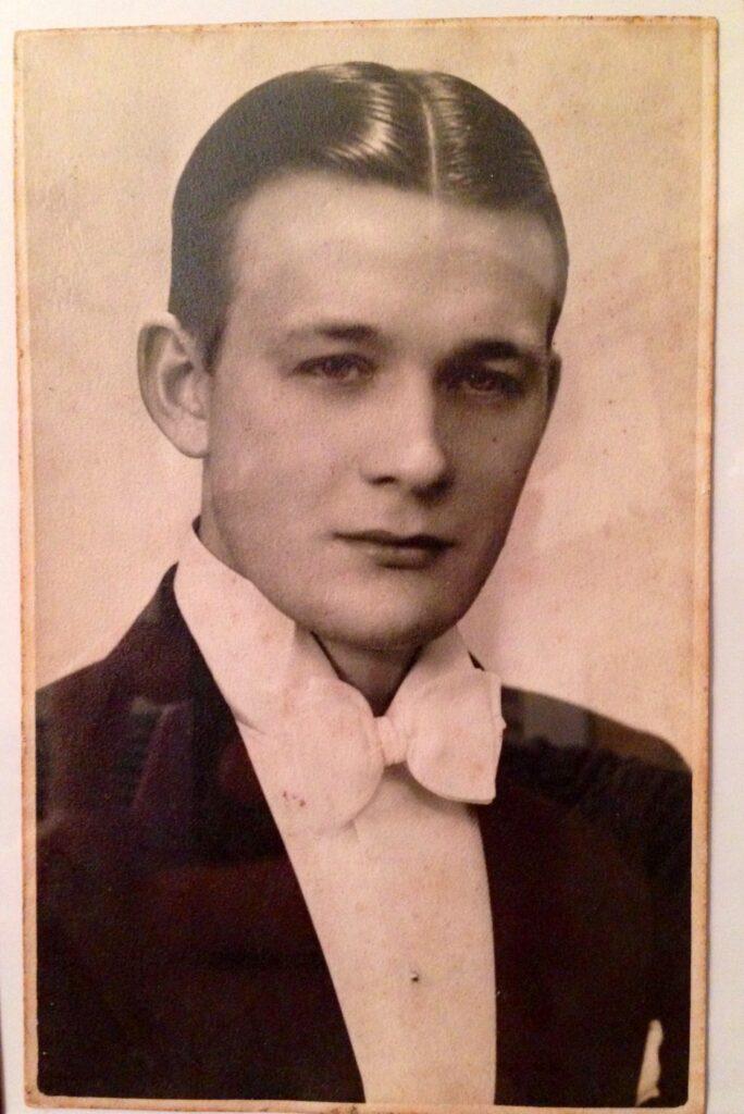 Sammy Donnelly 1934 Founder af pomp&co.
